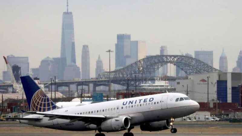 United Airlines to outsource catering operations from October