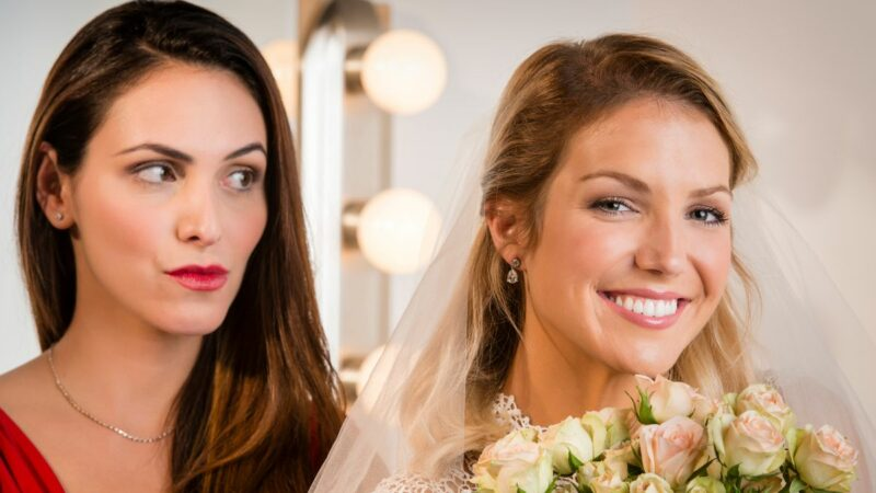 Bride divides opinion by asking bridesmaid to wear a wig after she cut her hair