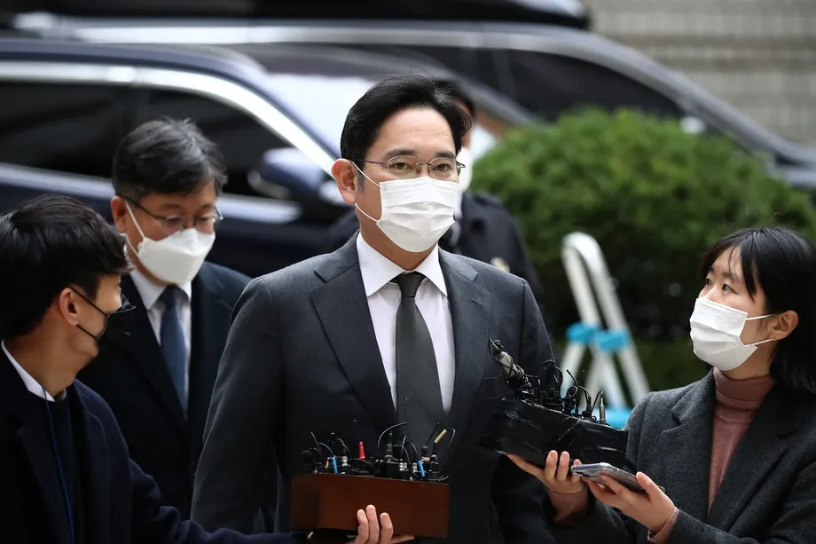 Samsung billionaire heir Jay Y. Lee gets parole, will be released from prison Friday